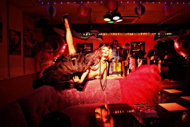 Miwa Rock (Burlesque Dancer) / photo by Ryusuke Seko