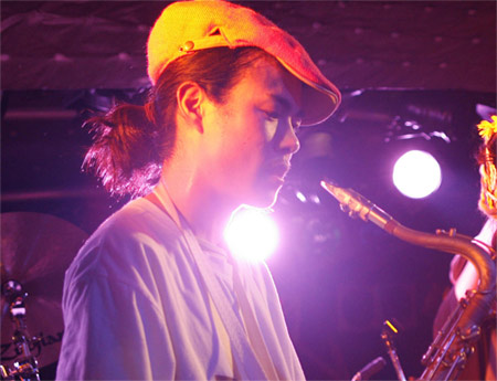 黒須遊 (Tenor sax player)