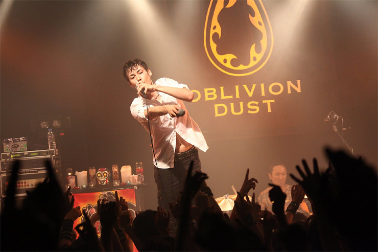 OBLIVION DUST – 『6IX』(2012/08/02,03 -2days-)  at shibuya duo MUSIC EXCHANGE
