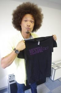 VESTAL ロゴTシャツ