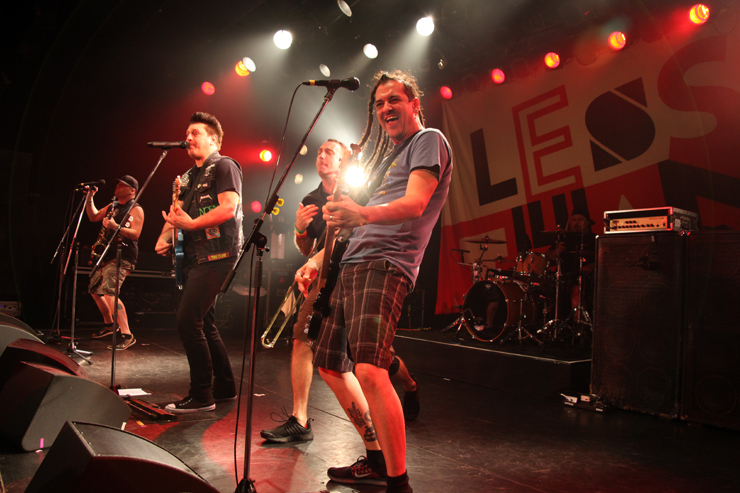 LESS THAN JAKE(Roger、Buddy)× KEMURI(伊藤ふみお)インタビュー