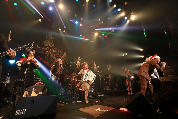 THE CHERRY COKE$ - 2013.12.24 at 赤坂BLITZ - LIVE REPORT