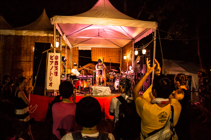 ERI KONISHI PIANO TRIO @ FUJI ROCK FESTIVAL '14 LIVE REPORT