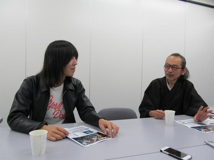 人間椅子和嶋とTHE STARBEMS越川の元バイト仲間の対談が実現!