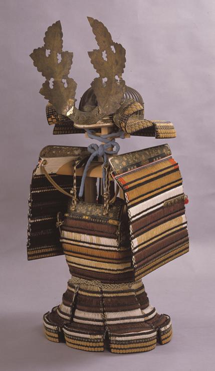 重要文化財 色々威腹巻 兜・大袖付 室町時代 島根・佐太神社蔵 ※前期(11月23日~12月25日)展示