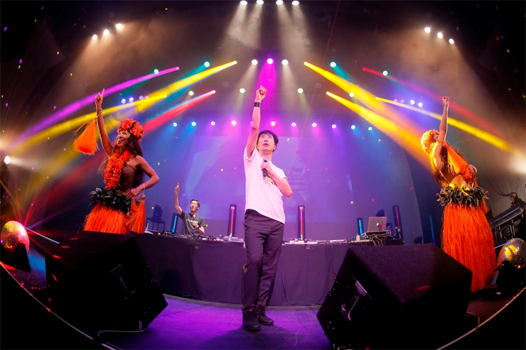 """ザ・ベスト・オブ 藤井隆 """"AUDIO VISUAL""""& tofubeats """"POSITIVE"""" W release party!  @ 恵比寿The Garden Hall(2015.11.22)  REPORT"""