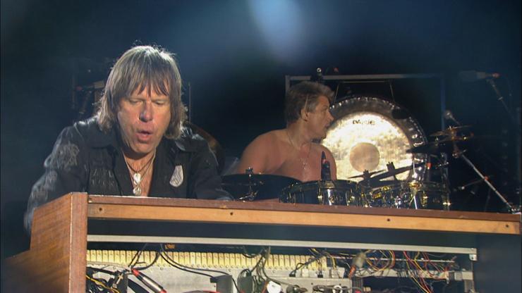 Emerson, Lake & Palmer - 2010年に行った一夜限りのライブの模様をWOWOWで放送。『洋楽ライブ伝説 エマーソン、レイク&パーマー ハイ・ヴォルテージ・フェスティバル』 放送日:6月14日(火)夜9:00~