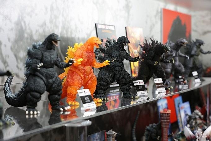 魂ネイションズ AKIBAショールームにて『S.H.MonsterArts ゴジラシリーズ特集展示』を実施中