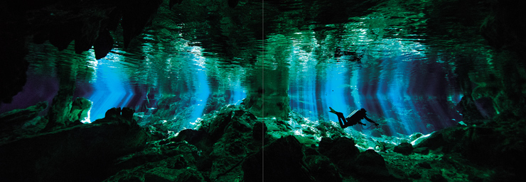 あたたかい地球の鼓動を感じられる写真集『Dear Earth 高砂淳二写真集』2016年8月9日発売。出版記念写真展を8月16日(火)~9月5日(月)新宿コニカミノルタプラザで開催。