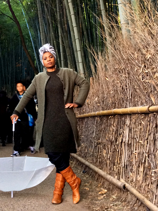 南アフリカ人デザイナー、ムポ・ムエンダネ、独自のテキスタイルアートを使用した、京都名所にて撮影の写真作品をデジタルギャラリーで公開。