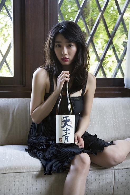モデル/今野杏南(グラビアアイドル)、 撮影/藤代冥砂