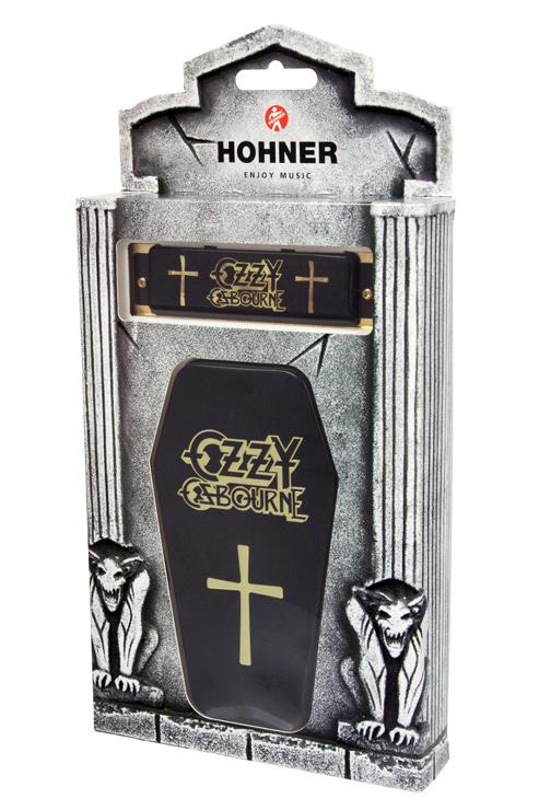 暗黒の帝王:オジー・オズボーンのハーモニカ、棺型ケース付でドイツ・ホーナー社より発売。
