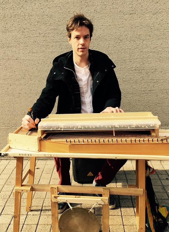 サミエル(割り箸ピアニスト)