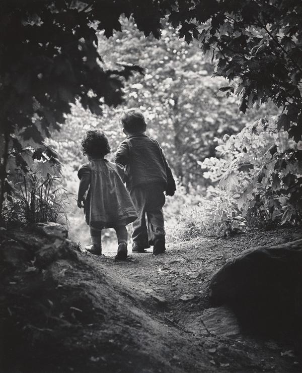 楽園への歩み,ニューヨーク郊外,1946年 (C) 2017 The Heirs of W. Eugene Smith