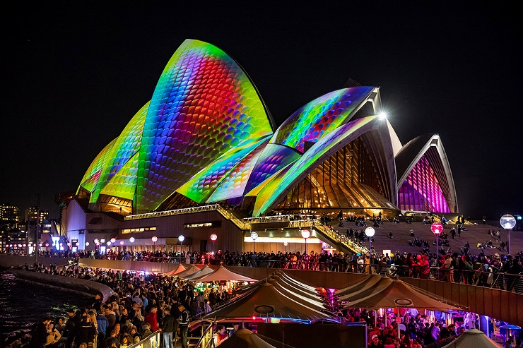 'METAMATHEMAGICAL ' Lighting of the Sails of the Sydney Opera House for Vivid Sydney 2018/Photo by Daniel Boud