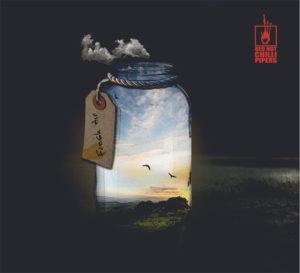 RED HOT CHILLI PIPERS - New Album『FRESH AIR』にライブ音源2曲を追加収録した国内限定盤をリリース。