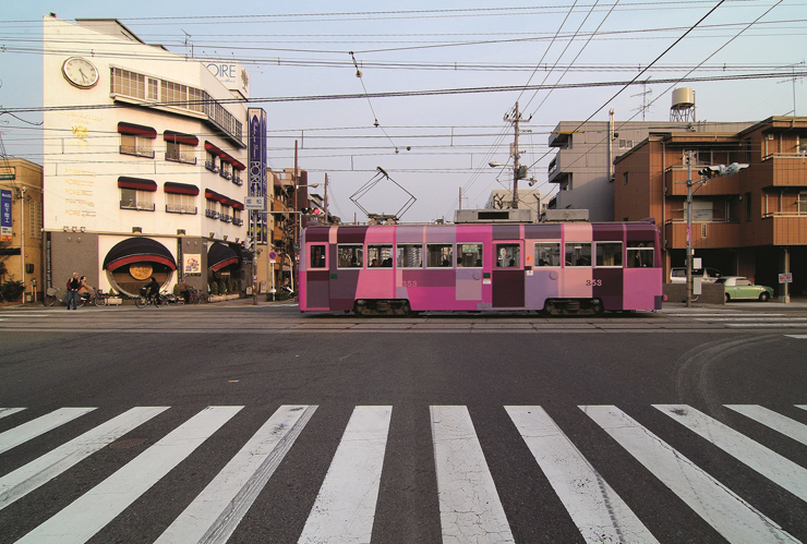 《Urban Concern Osaka》2004、 路面電車にペイント、 Breaker Project