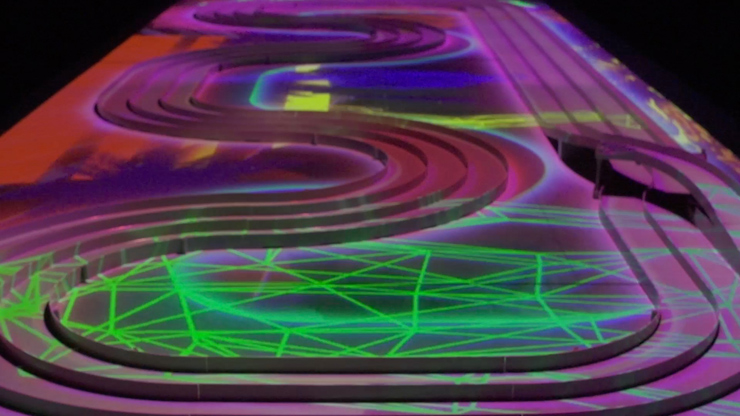 新感覚ミニ四駆サーキット「High Speed Colors-ソニーとつくる、新感覚サーキット-」