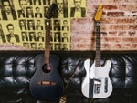 FENDER CUSTOM SHOP – ロック史上最も影響力のあるバンドの一つ、THE CLASHのフロントマン、ジョー・ストラマーの偉業を記念したシグネイチャーモデル2製品を発売